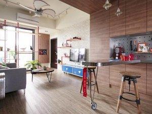 小户型单身公寓木地板铺装案例 冷暖搭调酷炫十足