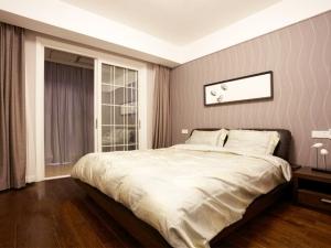 现代简约风格卧室木地板设计图片 卧室木地板装修图片