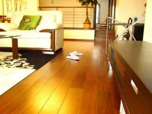 小户型客厅木地板装修效果图大全 黄色木地板图片