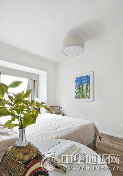 淡雅北欧风卧室木地板装修效果图
