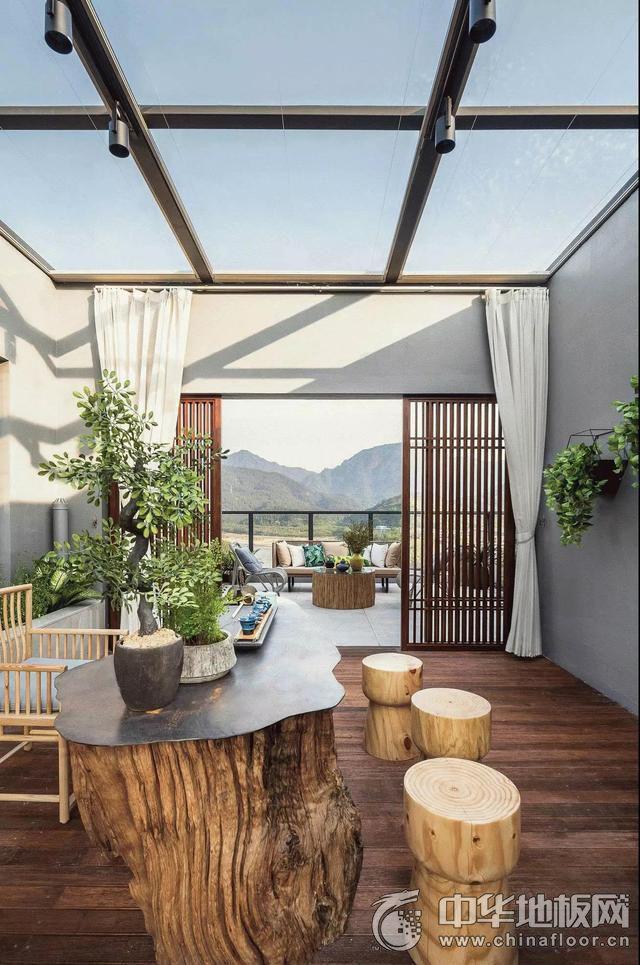 新中式风格露台深棕色实木地板家装效果图 强化复合地板图片