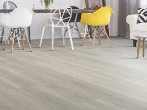 北欧风格餐厅灰色复合木地板家装效果图