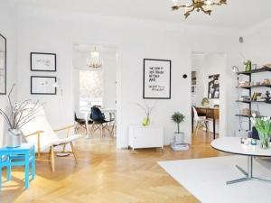 北欧风格家装黄色木地板铺装效果图    人字拼花地板图片