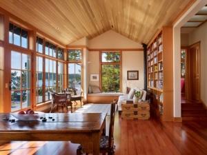 美式风格客厅棕色木地板效果图 实木地板图片