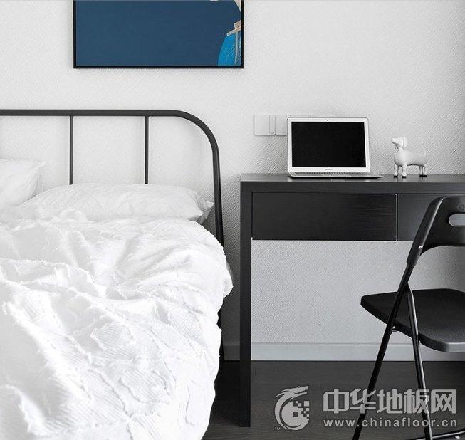 极简风格木地板装修效果图 黑白色诠释时尚与睿智