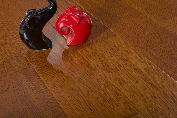 冬日暖阳地板 发热橡木系列地板图片