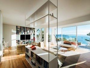 海景简欧地板装修效果图 明亮浅棕客厅地板效果图欣赏