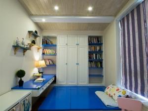 天花板浅色地板装修效果图 时尚强化复合地板图片