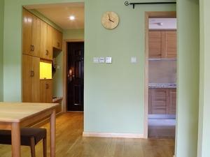 简约原木风格装修效果图 小户型地板装修效果图大全