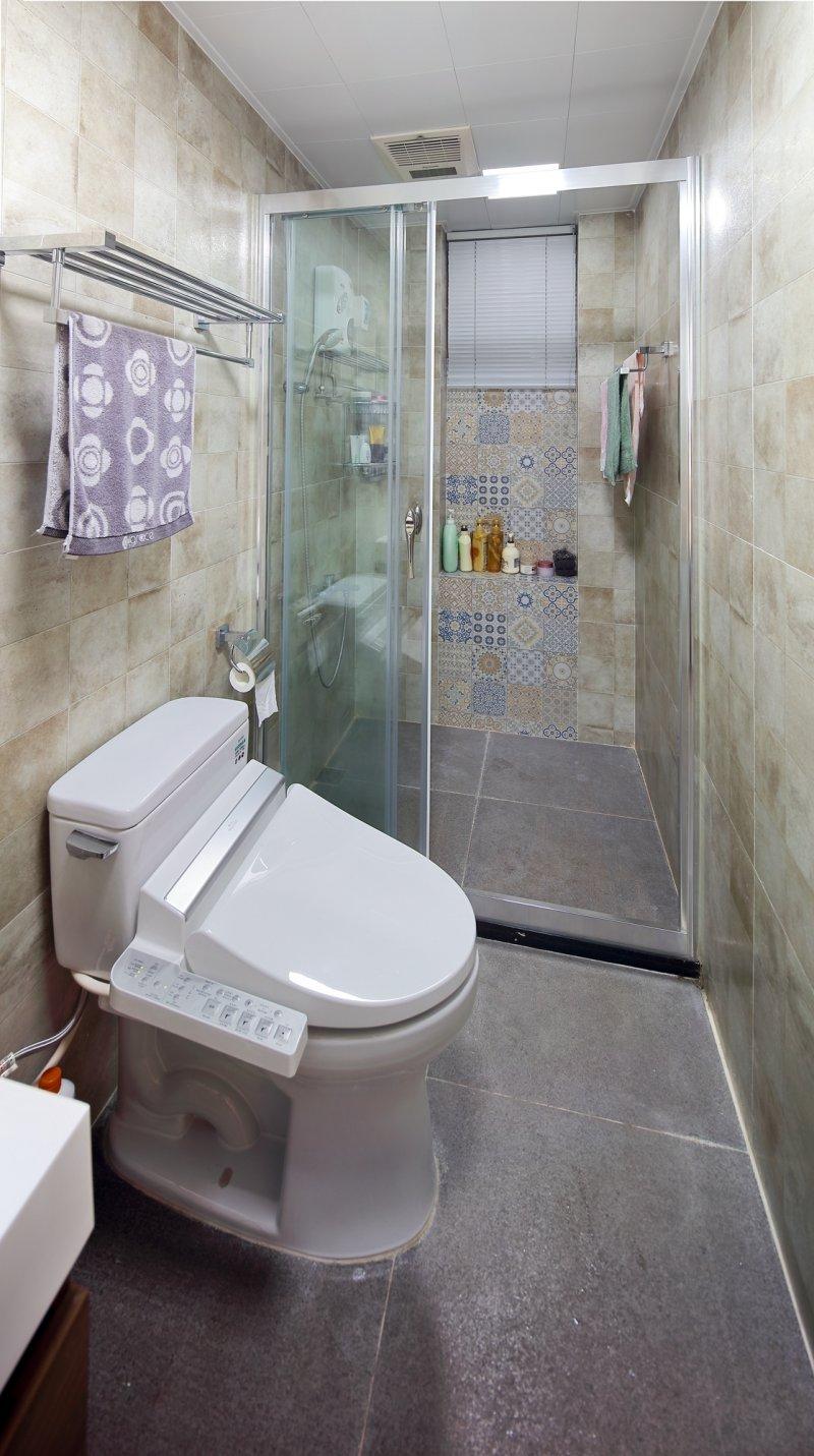 现代木地板上墙效果图 全房深灰色木地板装修效果图