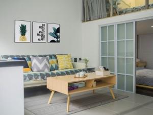 浅色地板搭配装修 明亮客厅地板效果图