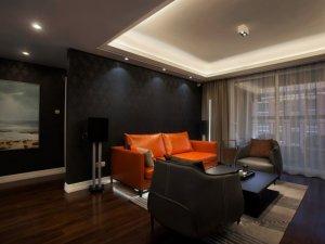 时尚枣红色地板装修效果图 深色客厅地板效果图