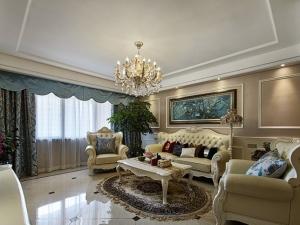 客厅浅色地板效果图 简约欧式风格装修效果图