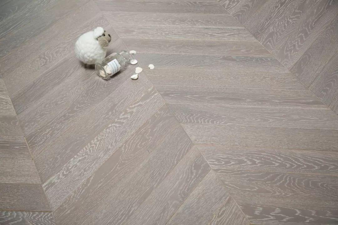 天科地板新品图片 鱼骨拼地板效果图