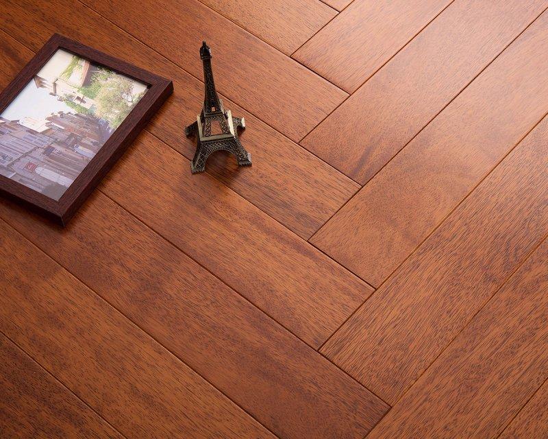 上臣地板图片 上臣地暖实木地板装修效果图