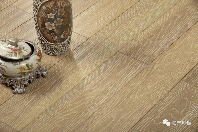 LFDC87701 鱼骨拼系列实木多层地板