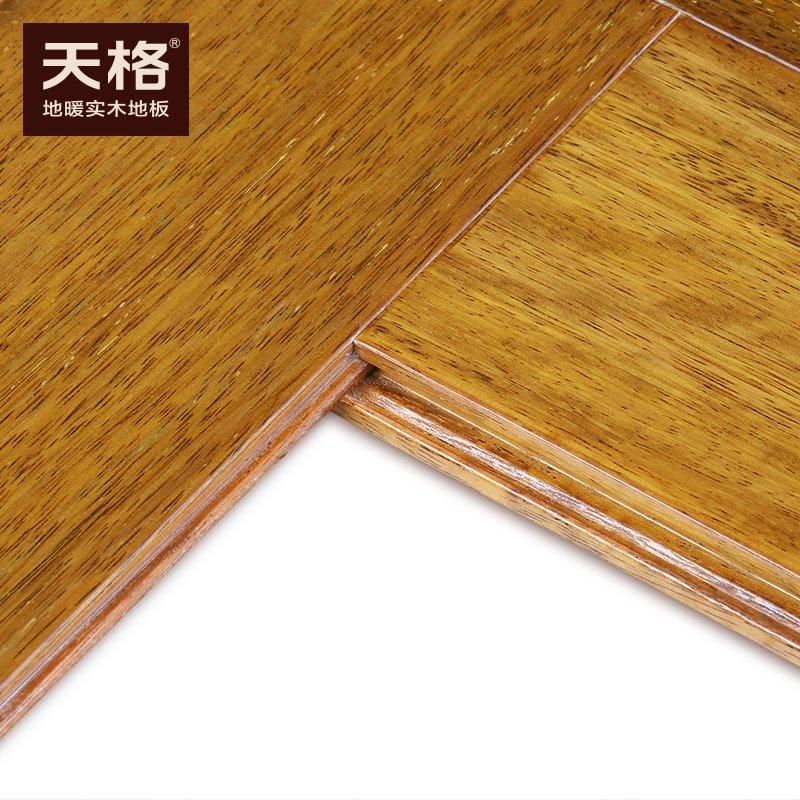天格地暖实木地板图片  仿古板面人字拼裸板效果图