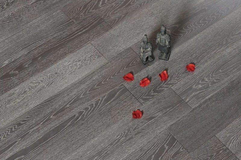 燕泥多层地板D-LS02