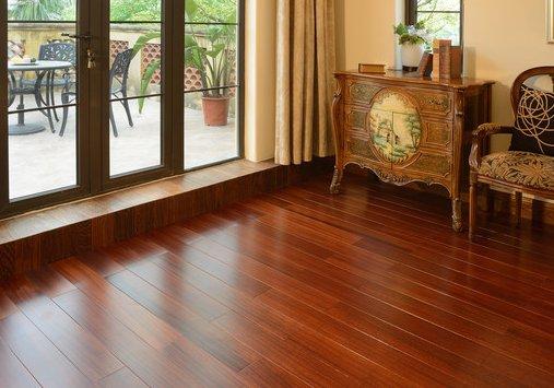 安心地板:为什家具家居网上商城么父母爱买红色木地板?看完只觉得自己太年轻