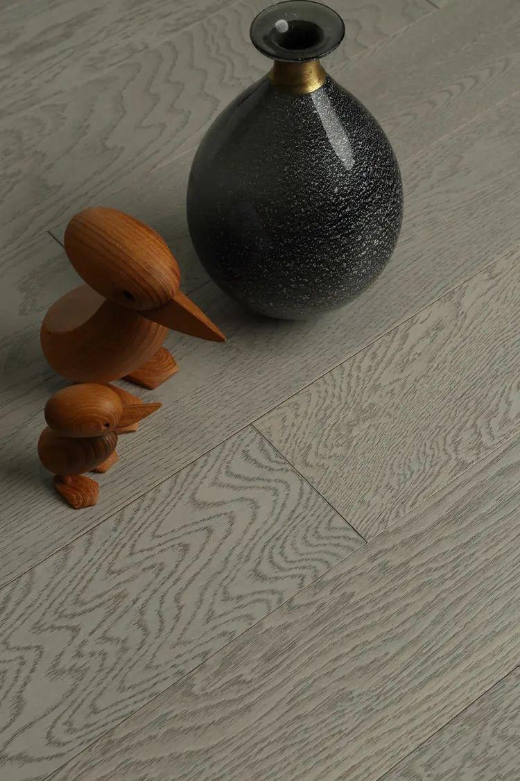 富得利地板图片  木地板新品效果图