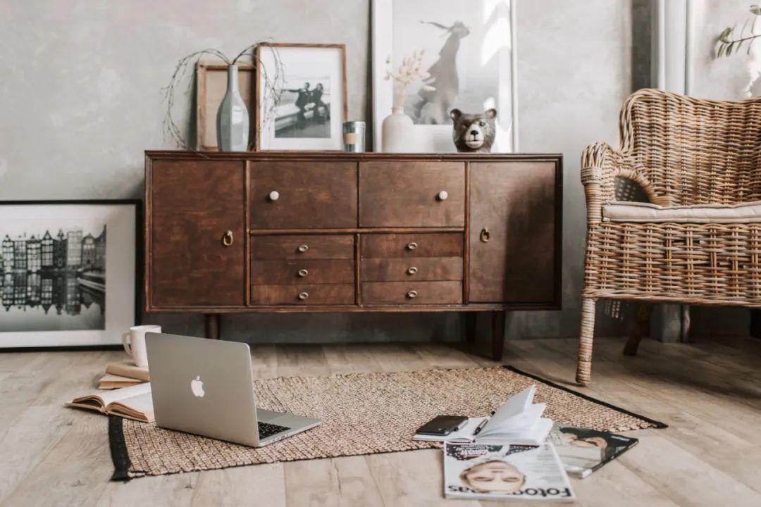 圣象地板-现代经典原木卧室装修设计案例!_5